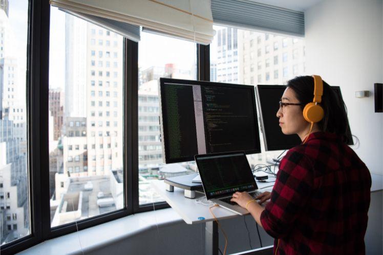 informatique - developpeur web a distance
