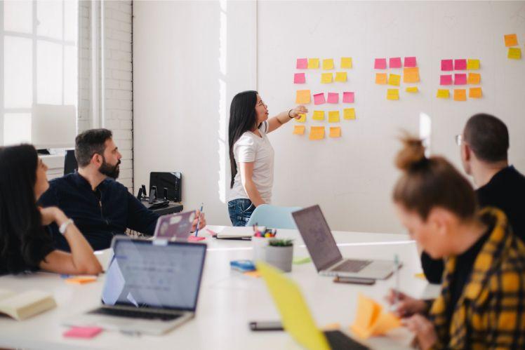 equipe travail reunion - developpeur web a distance