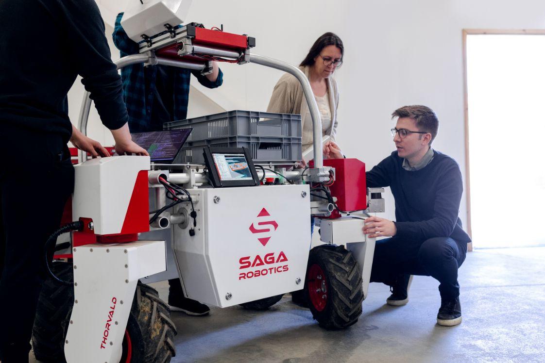 equipe ingenieurs robotique