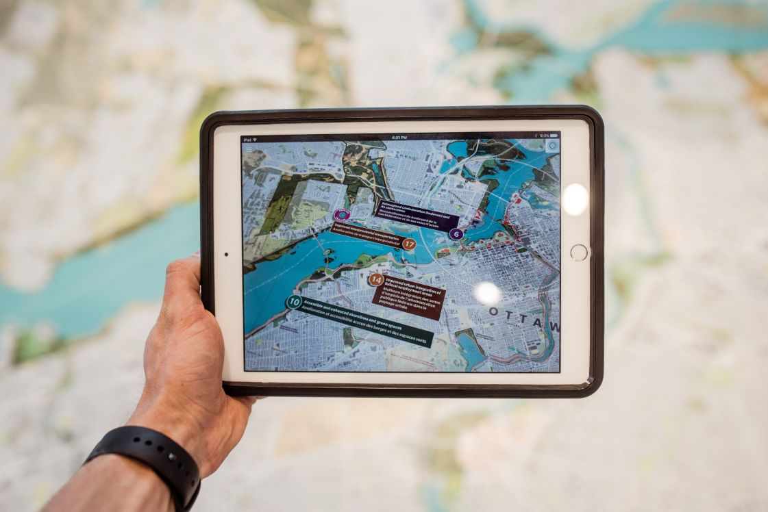 carte touristique avec des elements de realite augmentee