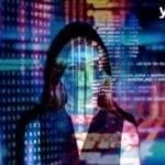 photo d'une femme projectée et combinée avec de la data