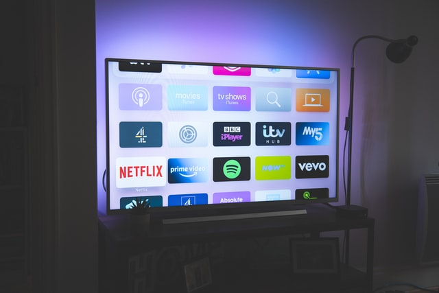 application pour smart TV plusieurs applications sur un écran télévisé intelligent